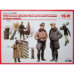 ICM 48086 1/48 WWII German Luftwaffe Pilots and Ground Personnel in Winter Uniform