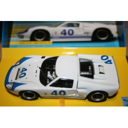 SCALEXTRIC C2943A Ford GT40 1966 N°39