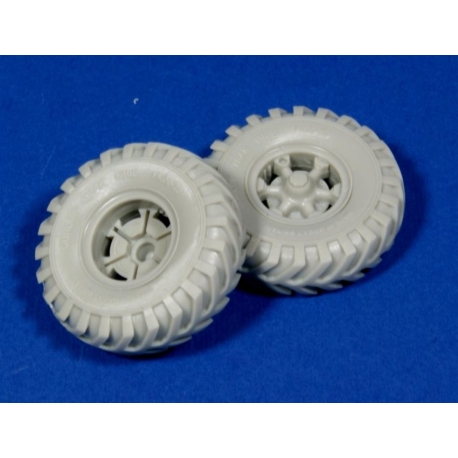 """PANZER ART RE35-134 Road Wheels for Sd.Kfz.9 """"FAMO"""" (British Cross Country tyres)"""
