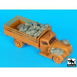 Takom TAKO2033 1/35 WWI Heavy Battle Tank Mk.I Female with Anti-grenade screen