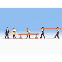 ICM 48801 1/48 Spitfire MK.IX With RAF pilot & Ground Personal