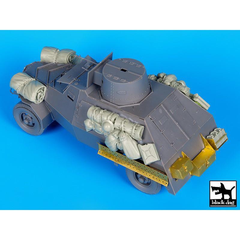 ITALERI 0273 1/35 M998 - Command Vehicle