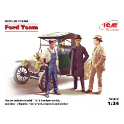 ICM 24007 1/24 Ford Team Model T 1913 Roadster and 3 figures