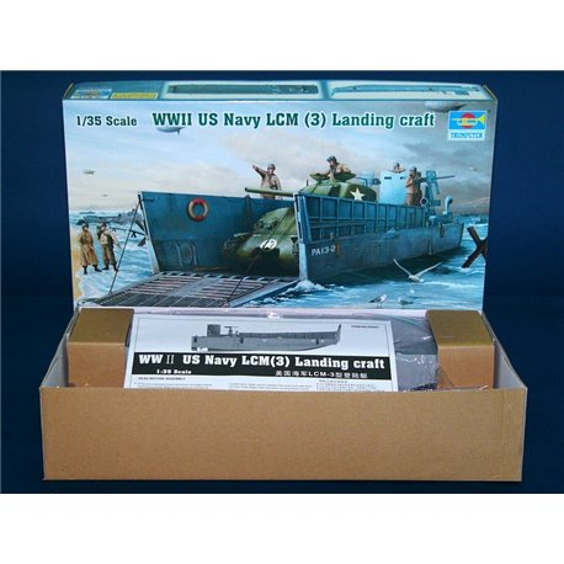 TRUMPETER 00347 1/35 WWII US Navy LCM (3) Landing craft