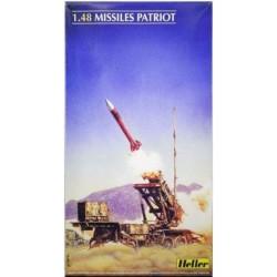 DRAGON 3802 1/35 AK-47 /74 Family Part-1