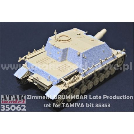 ATAK Model 35062 1/35 Zimmerit Brummbar Late Production