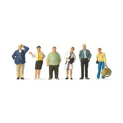 Preiser 10734 HO 1/87 Voyageurs – Waiting train travellers.