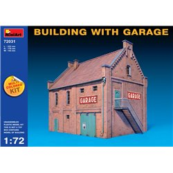 Miniart 72031 1/72 BUILDING WITH GARAGE