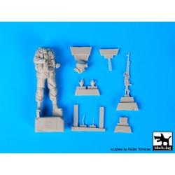 Tamiya 32410 1/35 German 3.5 Ton Truck AHN w/3.7cm Flak 37 AA Gun