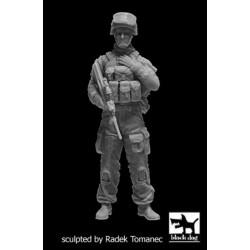 RODEN 812 1/35 Holt 75 Artillery Tractor