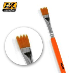 AK Interactive AK576 SAW SHAPE WEATHERING BRUSH