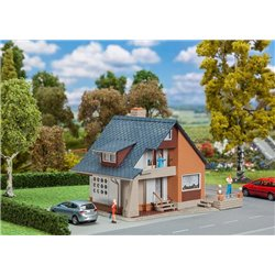 Faller 131359 HO 1/87 Maison avec balcon - House with balcony