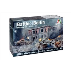 ITALERI 6112 1/72 BATTLE of BERLIN Diorama Set