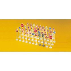 Hobby Boss 83852 1/35 Soviet T-28 Medium Tank (Welded)