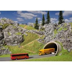 ZVEZDA 7315 1/72 Soviet Attack Helicopter MI-24P