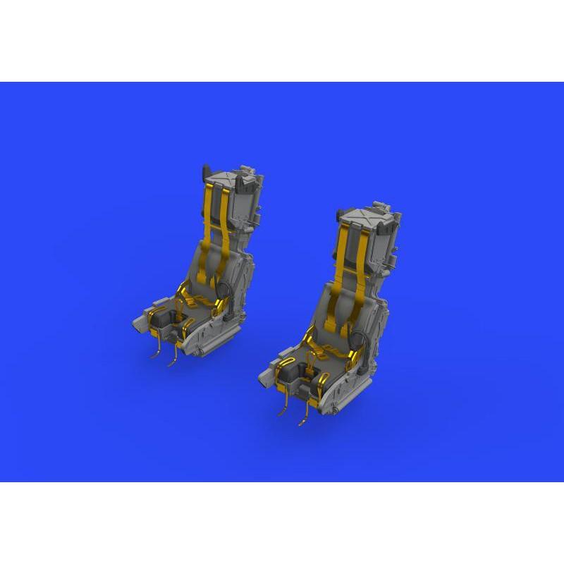 Revell 04869 1/32 Focke-Wulf Fw 190F-8