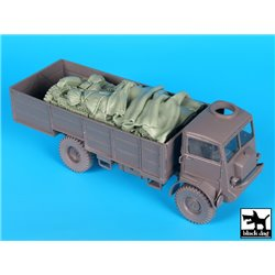 Black Dog T35166 1/35 Bedford QLT Troop Carrier Set