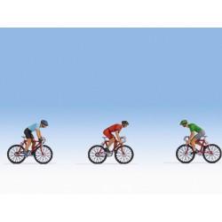 ITALERI 6456 1/35 Autoblinda AB 40 Ferroviaria