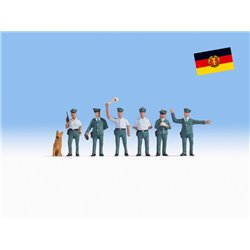NOCH 45076 TT 1/120 Police Officers GDR