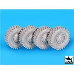 BLACK DOG T35196 1/35 Dingo wheels accessories set