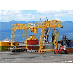 KIBRI 38530 HO1/87 DEMAG Pont Roulant – container crane