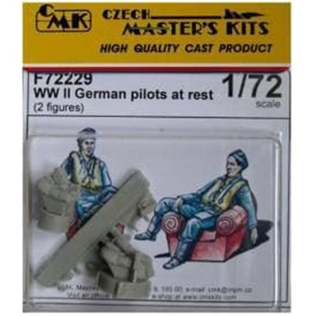 CMK F72229 1/72 WWII German Pilots at Rest (2 Figures)