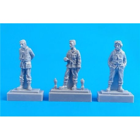 CMK F72326 1/72 Barracuda Crew Members - Standing (3 fig.)
