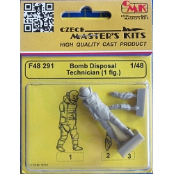 CMK F48291 1/48 Bomb Disposal Technician