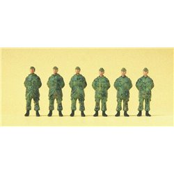 PREISER 16842 HO 1/87 Standing soldiers. Cap. Coat. Camouflage