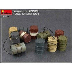 MINIART 35597 1/35 German 200 Liter Fuel Drum Set
