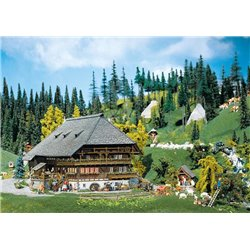 FALLER 130366 HO 1/87 Black Forest farmyard