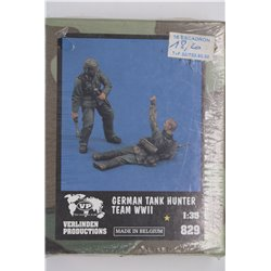 VERLINDEN PRODUCTIONS 829 1/35 German tank hunter team WW2 - 2 Figures