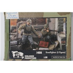 VERLINDEN PRODUCTIONS 1458 1/35 Streetfighters – 2 Figures