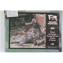 VERLINDEN PRODUCTIONS 1653 1/35 German Sturmtruppen throwing Anti-Tank Grenades