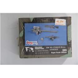 VERLINDEN PRODUCTIONS 665 1/16 SAW / MG-Stinger / M16 with Launcher