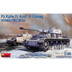 MINIART 38010 1/35 German Railstation staff 1930-40S