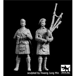 BLACK DOG F35209 Scottish piper +officer WW I 1/35