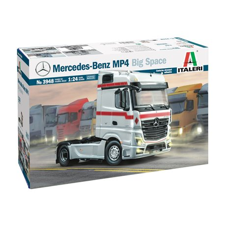 ITALERI 3948 1/24 Mercedes Benz MP4 Big Space (Middle Roof)
