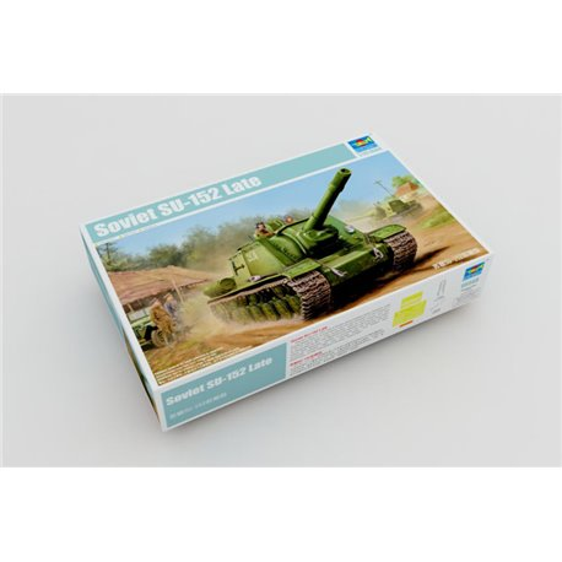 TRUMPETER 05568 1/35 Soviet SU-152 Tank - Late*