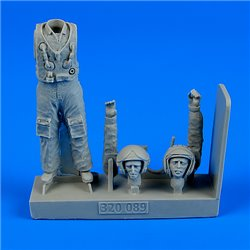 AEROBONUS 320.089 1/32 Soviet Pilot with life jacket-the Cold War period