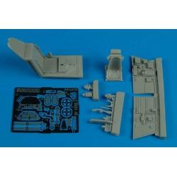 ICM 35539 1/35 Typ 320 (W142) Saloon