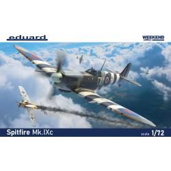 TAMIYA 89732 1/48 North American P-51D Mustang & U.S. Army Staff Car