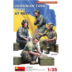 MINIART 37067 1/35 Ukrainian Tank Crew at Rest