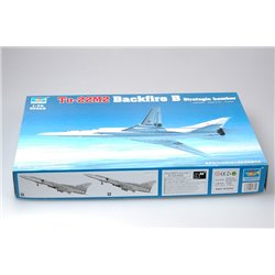 TRUMPETER 01655 1/72 Tu-22M2 Backfire B Strategic bomber