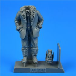 AEROBONUS 320.147 1/32 German or Austro-Hungarian WWI Pilot (Winter edition)