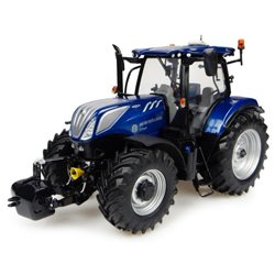 UNIVERSAL HOBBIES 4976 1/32 New Holland T7.225 Blue Power