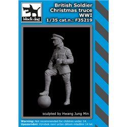 BLACK DOG F35219 1/35 British soldier Christmas truce WWI