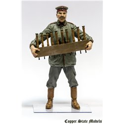 COPPER STATE MODEL F32004 1/32 German aerodrome personnel with grenades crade
