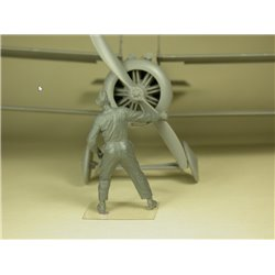COPPER STATE MODEL F32027 1/32 RFC Air Mechanic spinning the propeller