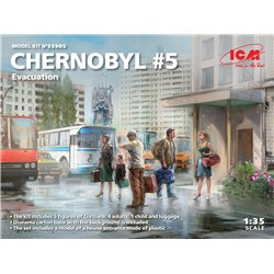 ICM 35905 1/35 Chernobyl 5. Extraction (4 adults, 1 child and luggage)